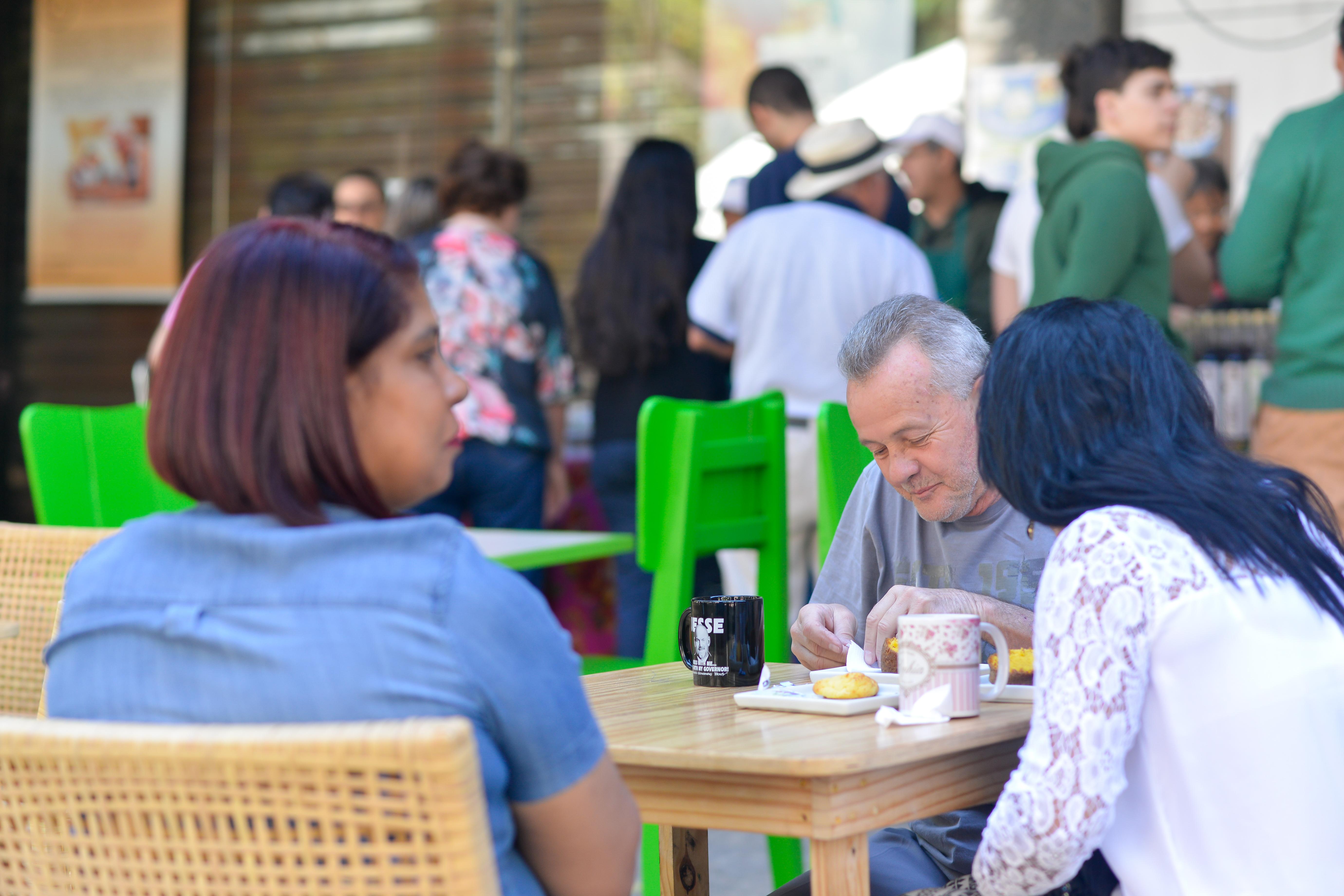 Café da manhã na Feira Fresca do Incontrês