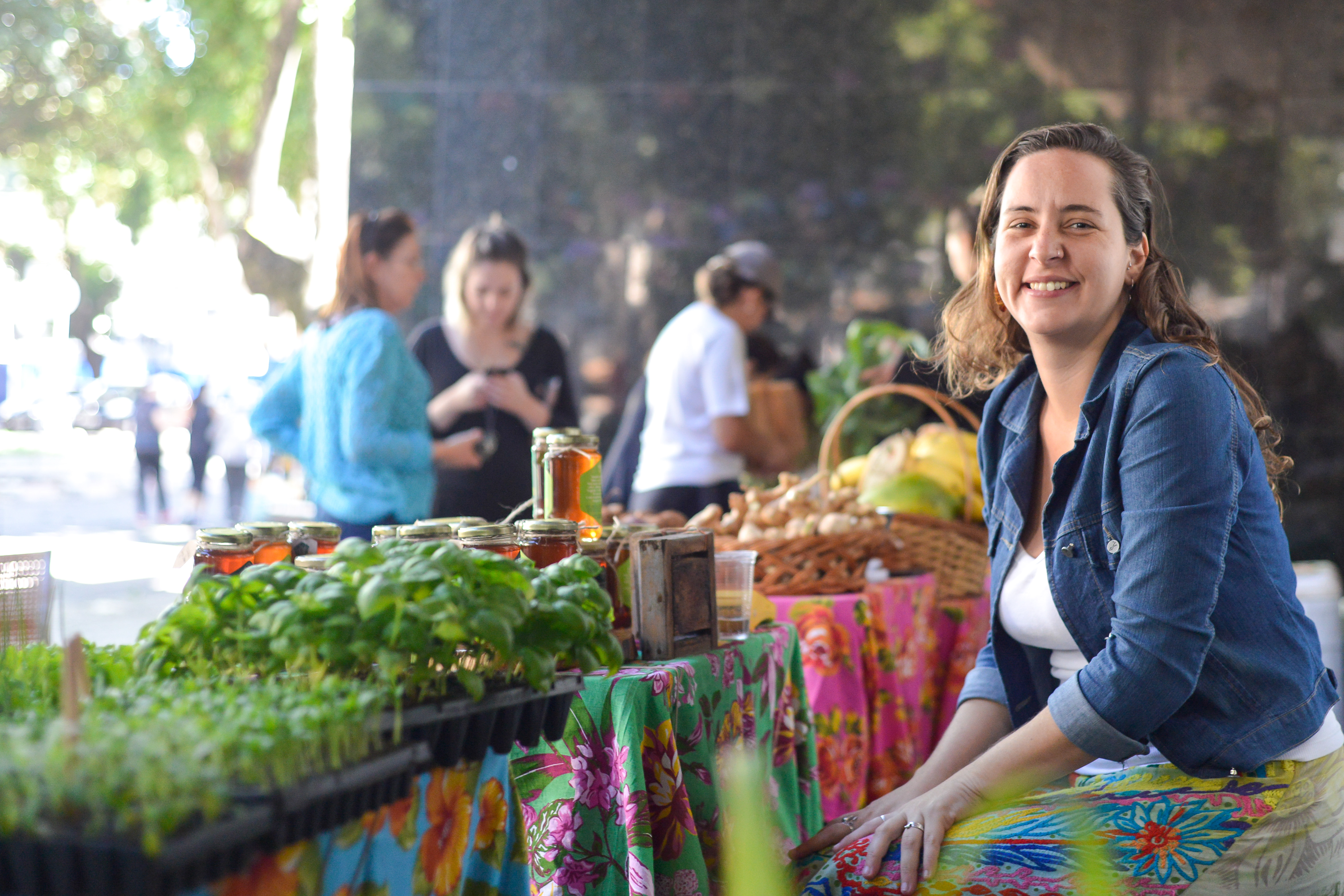 Fábrica de Hortas e Verde Vivo Mel na Feira Fresca no Incontrês