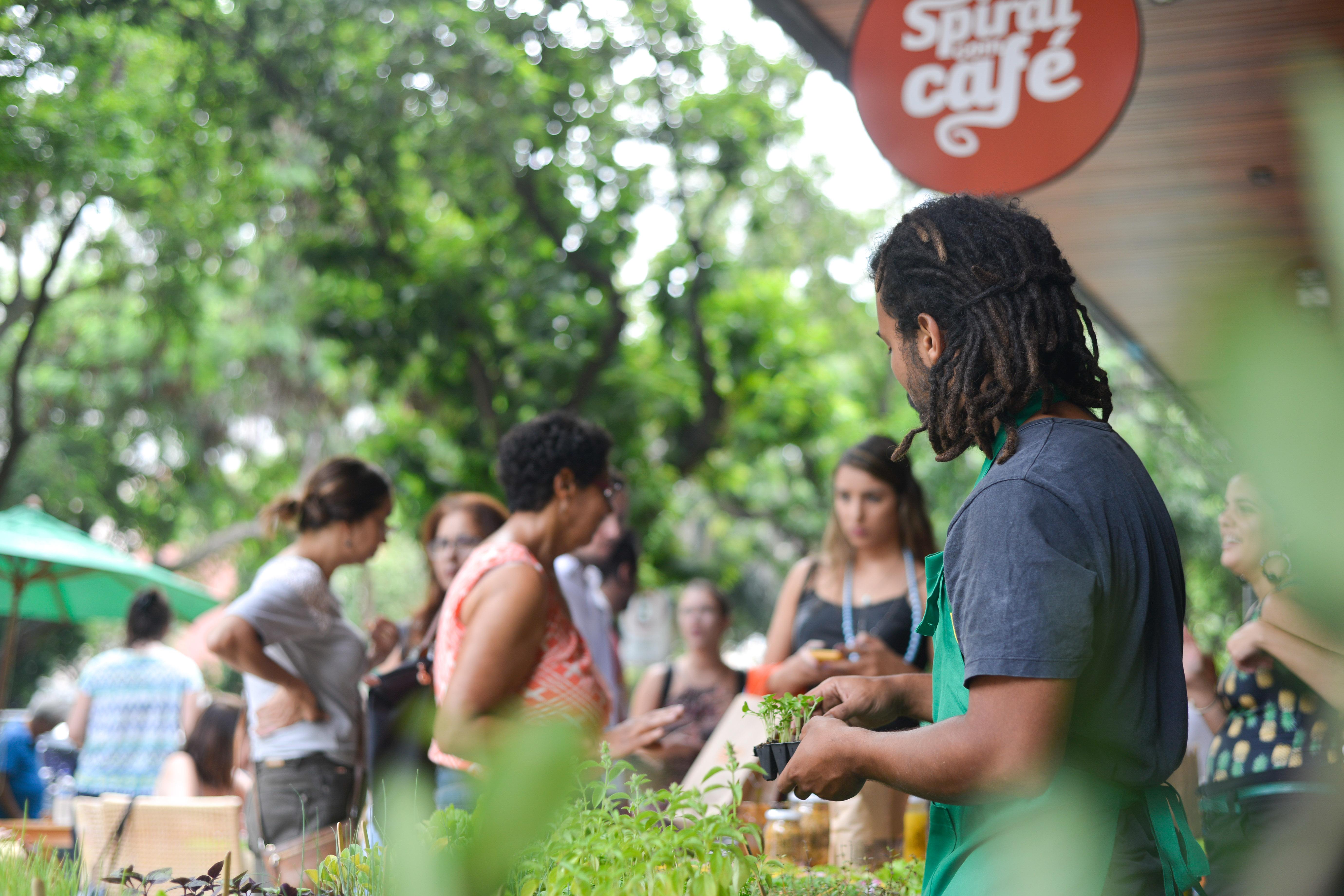 Fábrica de Hortas no Spiral com Café na Feira Fresca