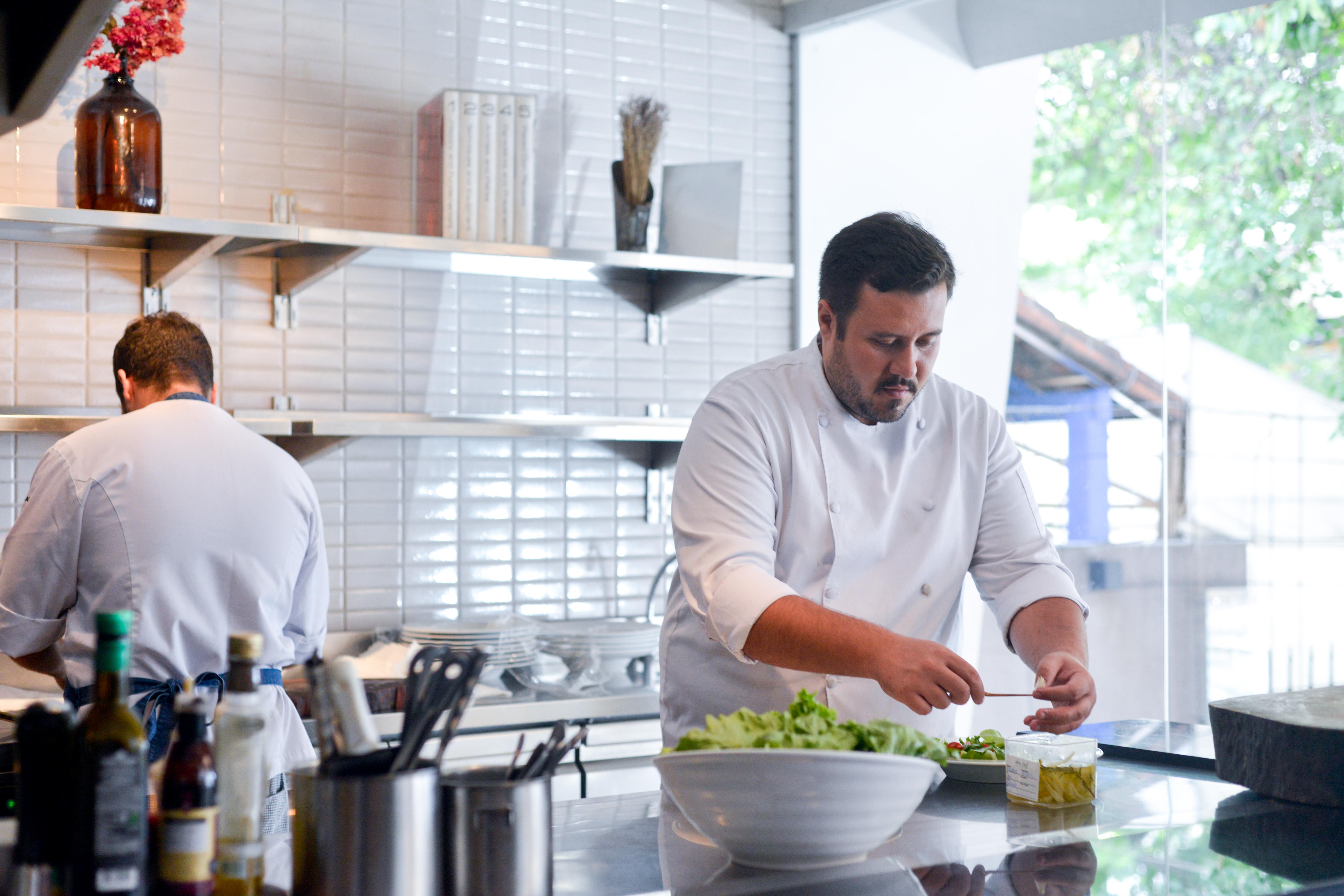 Cozinha restaurante Alma Chef - Feira Fresca