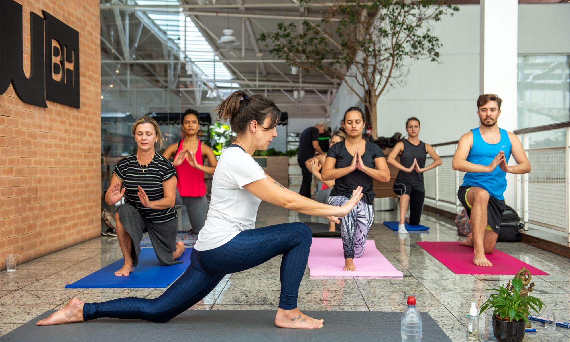 Yoga na Feira Fresca no Pátio Savassi