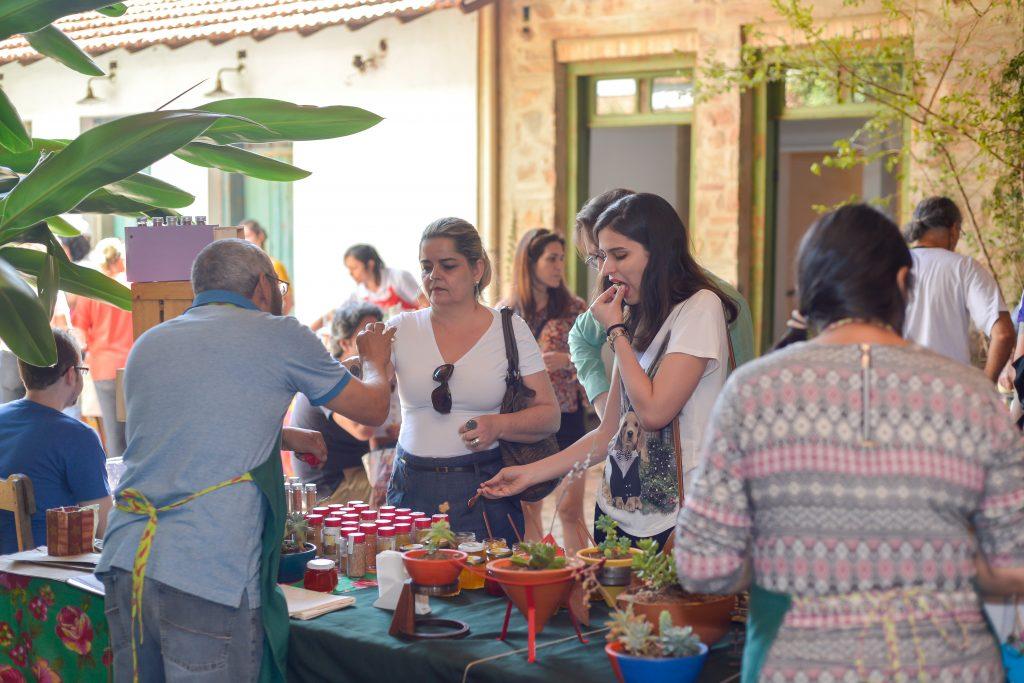 Porteira Verde na Feira Fresca na Vila 211